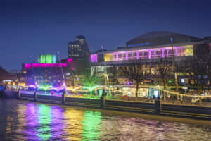 Loomin   David Ogle, 2020   mixed-media installation (neon flex, welded steel)   installation view: Southbank London, 2020   Commissioned by the Hayward Gallery for Winter Light 2020   image: Morley Von Sternberg